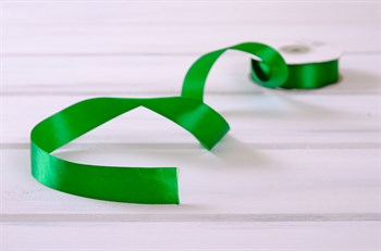 Лента атласная, 24 мм, зеленая, 1 м - фото 7931