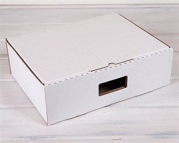 УЦЕНКА Коробка картонная с ручкой 38х29х12 см, белая - фото 9141