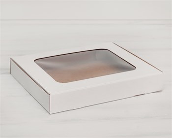 Коробка плоская с окошком, 30х25х4,5 см, белая