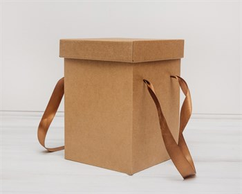 Коробка подарочная для цветов  17,5х17,5х25 см, с крышкой, крафт