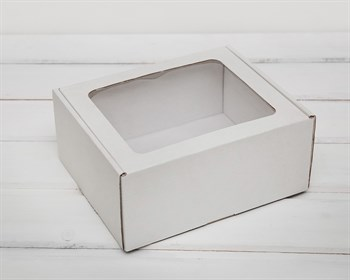 Коробка с окошком, 19х16х8,5 см, из плотного картона, белая